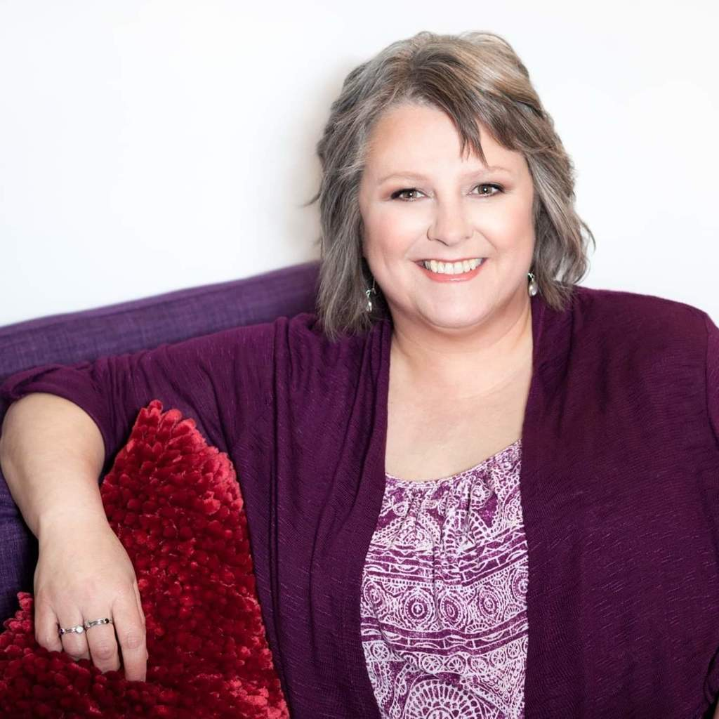 Writer, editor, content coach Renae Gregoire